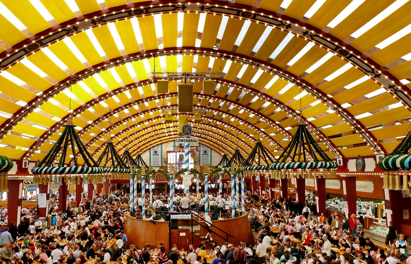 Loewenbraeu tent at the Octoberfest Munich ©Foto Werner Boehm